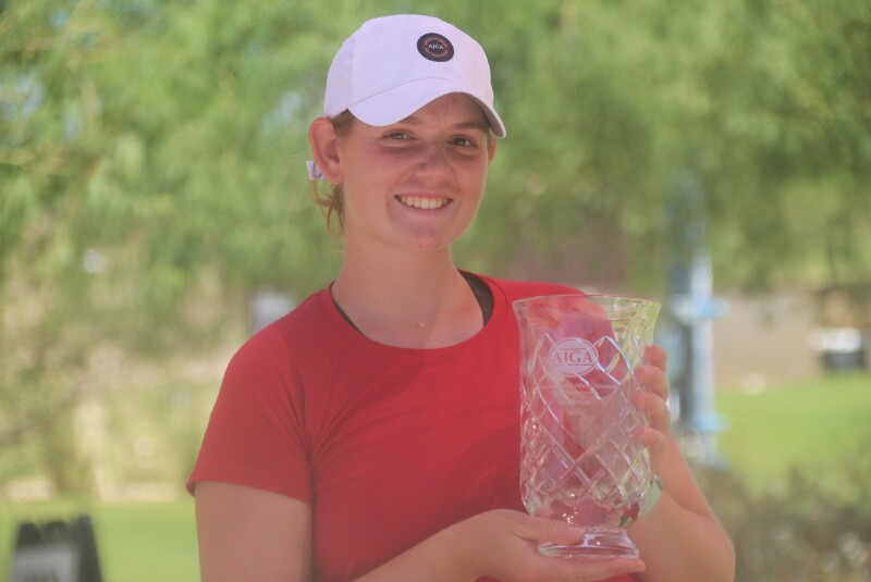 Reagan Zibilski with trophy-2021-UA Albane Valenzuela Girls Champ.JPG