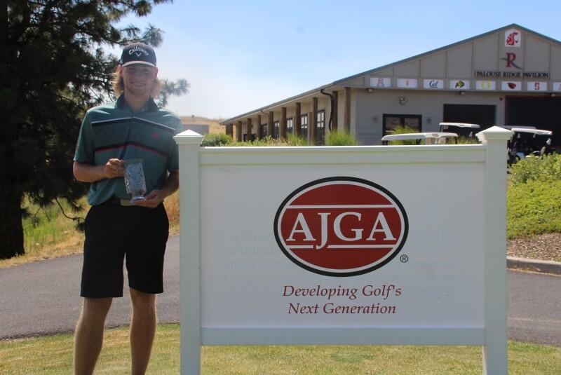 Garrett Endicott Boys Runner-up with Banner-AJGA Junior at Palouse Ridge-2021.JPG