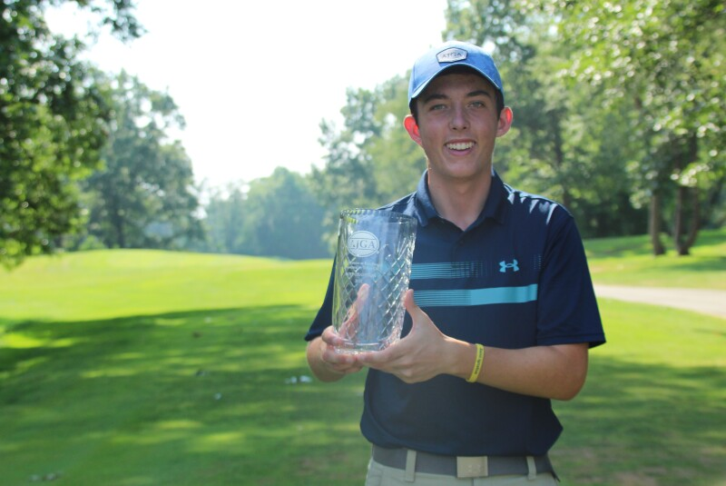 Nicholas Piesen with trophy-2021-AJGA Junior at Knollwood presented by Yoder Oil.JPG