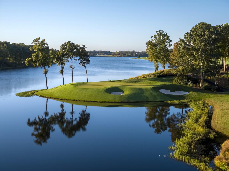 Robert Trent Jones Golf Club Signature Hole Course Photo.jpg
