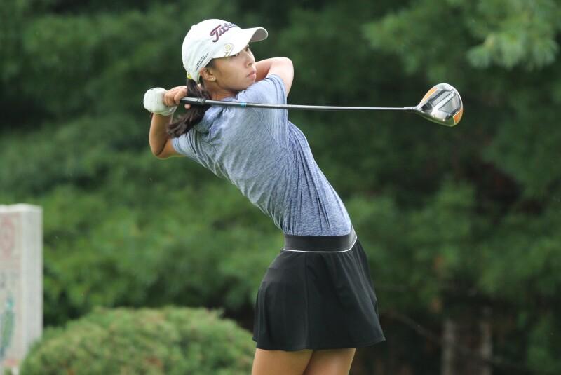 Amelia Guo tee off No. 12 -2021 DA Points Jr Open.JPG