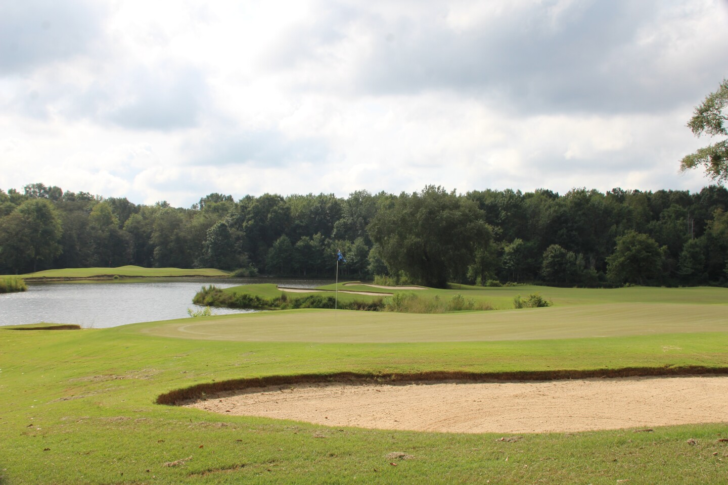 16 Flag and Lake- 2020- Callaway Junior Classic presented by UHY (2).JPG