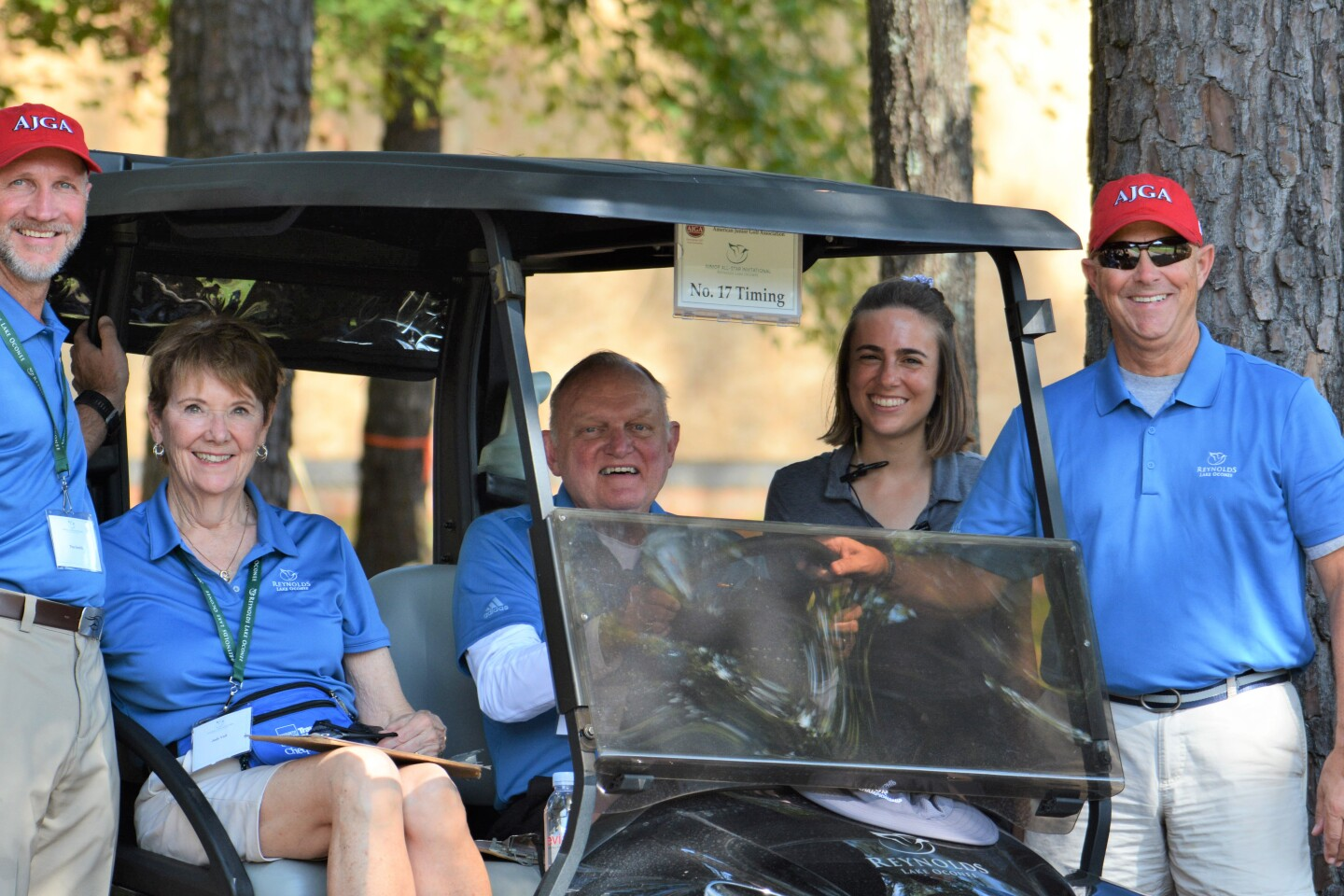 AJGA volunteers group picture shuttle drivers .JPG