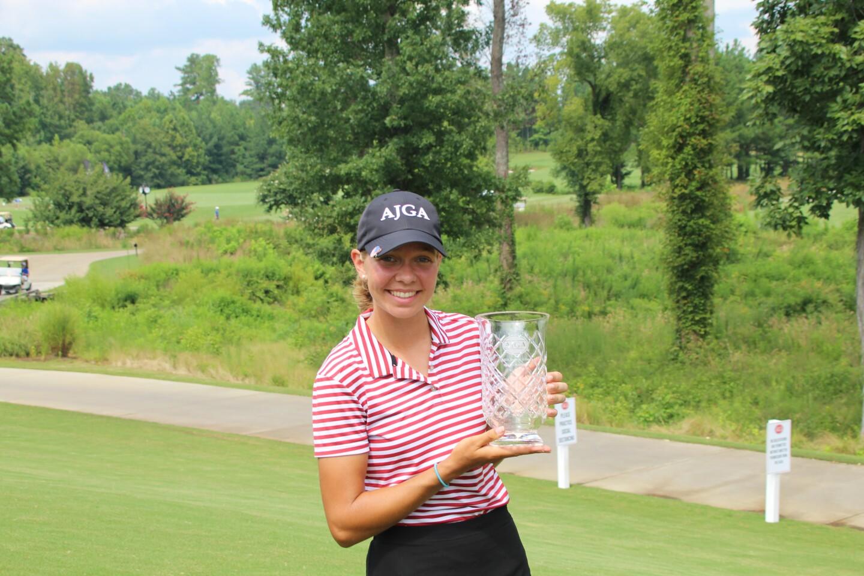 Lydia Swan with Trophy-2020-12 Oaks Jr.JPG