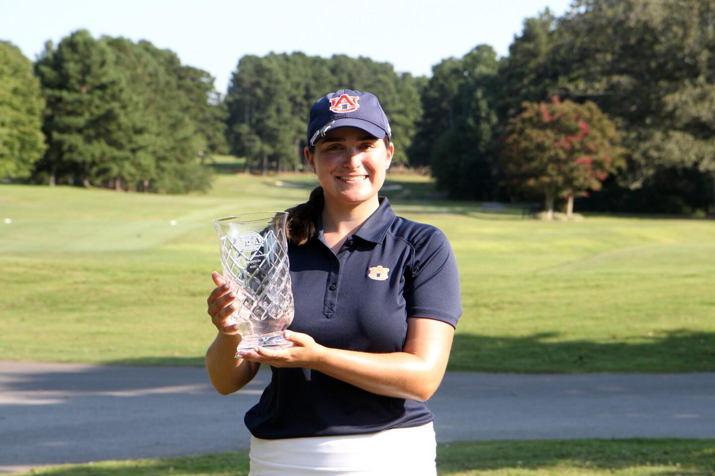 Casey Weidenfeld Auburn hat champion trophy - 2020 - AJGA Girls Championship.jpg